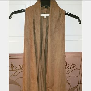 Brand New w Out Tags Max Studio Brown Suede Vest L